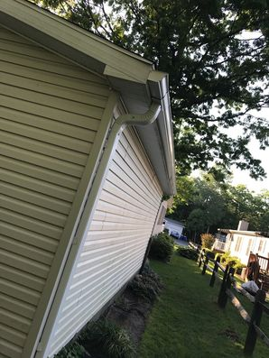 Before & After New Gutters Installed in Millsboro, DE (4)